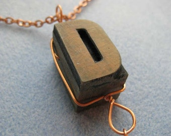 LETTERPRESS Jewelry  D Necklace With Gorgeous Fossil Coral Stone - Lot 124