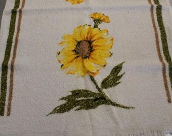 Vintage 1960's Zinnia Terrycloth Hand Towel in Yellow