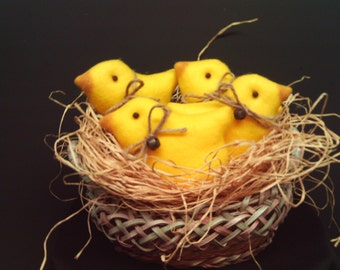 Easter Baby Chicks / Primitive / Easter Chicks / Easter Ornies- Set of 4