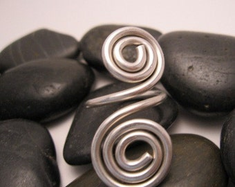 Swirl to the left and swirl to the right Sterling Silver Spiral Ring