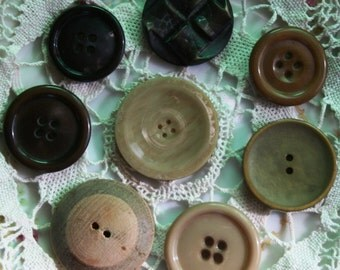Assorted Large Buttons -- item 2
