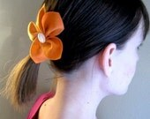 Blossoming Clip in Orange and White