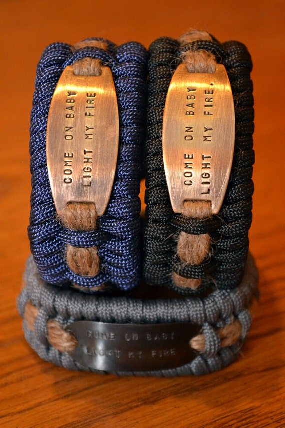The Firestarter - Rechargeable paracord survial bracelet with Doors quote