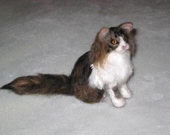 Custom Pet Portraits / Needle Felted Cats / Handmade Animal Sculpture / Lifelike