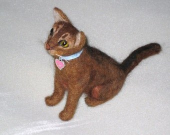 Needle Felted Cat /Custom Miniature Sculpture of your pet / large size example