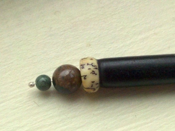 Bloodstone earth-tone hair stick