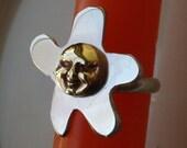 Sunface flower ring