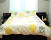 White Duvet-Queen size with yellow & grey Mantra print