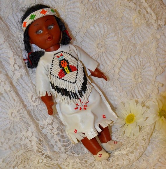 Vintage Native American Costume Doll Great Collectible Item Toy antique beaded headband dress souvenir indian leather costume