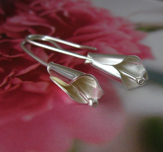 Baby calla lily sterling silver earrings - bridal, wedding, bridesmaids, nature lover, sweet 16, Mothers Day