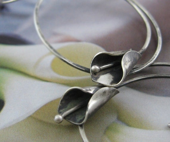 RESERVED for rabbitwhiskers - 1 Black calla lilies hoop earring