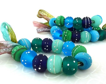 Sunbaked Marine.. 12 etched beads with silver by Lush Lampwork .. UK SRA British Lampwork GBUK