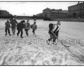 Kids playing hockey on the Fontanka River, Saint Petersburg, Russia: 8x10 Giclee Print