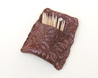 Wall Pocket Cinnamon Brown Ceramic Toothpick Holde Stoneware Pottery for Kitchen