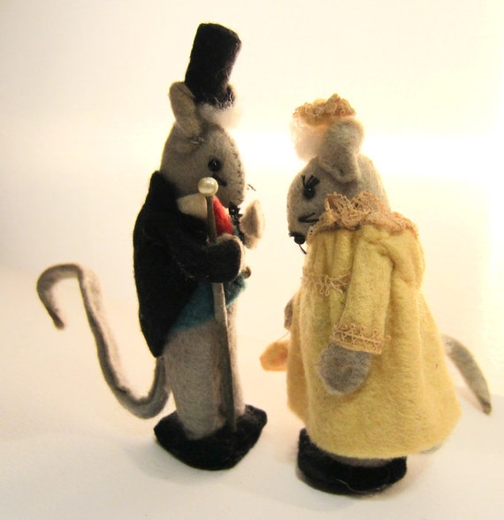 Vintage Mouse Couple Miniatures, Felt, Hand Made,