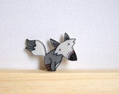 Grey fox brooch