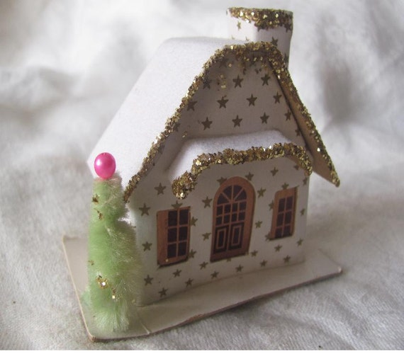Vintage 1950s Christmas Village Piece Old/New Stock