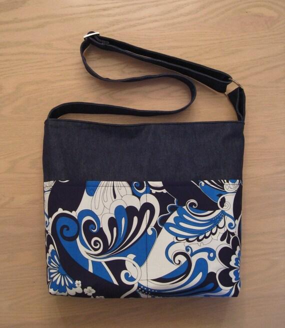 SHOULDER BAG \/ MESSENGER BAG - Electric Retro Blue