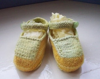 Vintage style hand dyed cotton knit baby booties lemon pastel greens