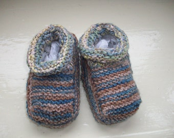 Baby booties, hand dyed, soft blue beige hand knitted knit