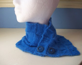 Neck Warmer knit fun blue collar scarflette