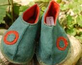Wool Felt Slippers with Vegan Soles- Green\/Blue w\/ Folkart Applique