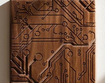 Circuit. - 7x7 - Walnut