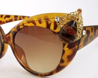 SALE Vintage style Tortoise sunglasses LEOPARD big