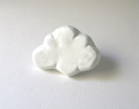 White Cloud Dresser Knob