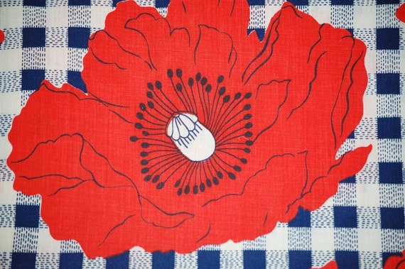 CLEARANCE: Vintage 60s Big Red Poppy Cotton Fabric -  9.33 Yards