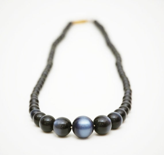 Vintage 1950s 60s Stunning Black Moonglow Lucite Necklace