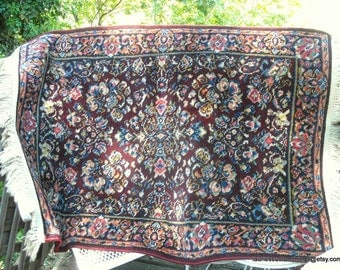 Vintage Arts and Crafts Harmony House Servicestan Sarouk Small Wool Area Rug Machine Loomed 40s 50s NICE