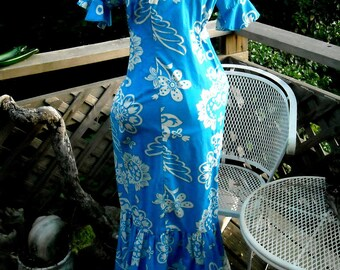 Lauhala Hawaiian Dress 60s classic 2 color floral in Cotton Fish Va Va Va Voom vintage 35 or 36 bust SUPER condition
