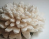 Cashmere Vanilla Cream Dahlia - Reclaimed Wool Flower Pin