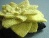 Cashmere Pale Lime Chrysanthemum - Reclaimed Wool Flower Pin
