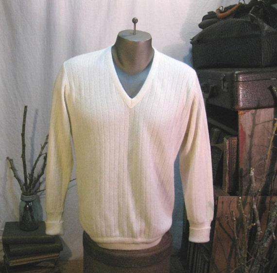 Izod ivory sweater vintage  Preppy Mens Pullover M