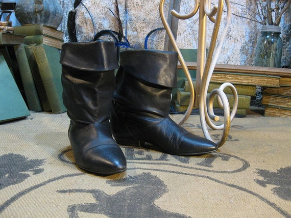 Vintage slouch Black  leather Boots ankle high cuffed 7.5