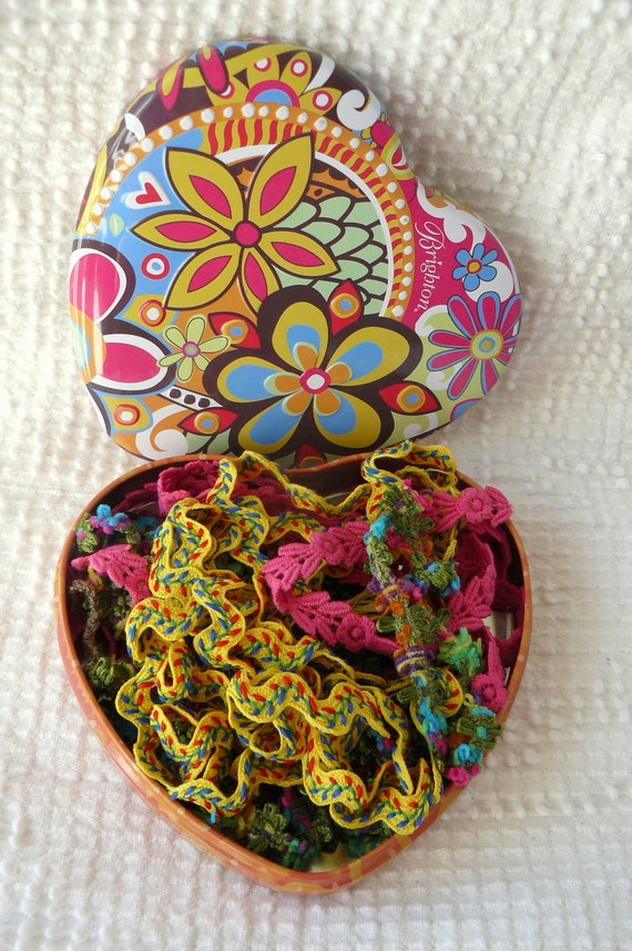 Colorful tin filled with gorgeous high quality trims- must see