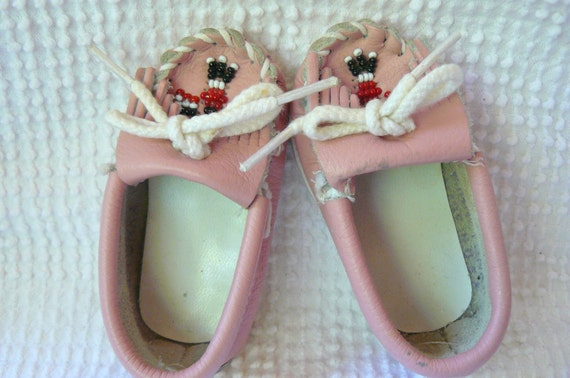 Vintage pink leather baby moccasins- Size 1 genuine Minnie Tonka and so cute