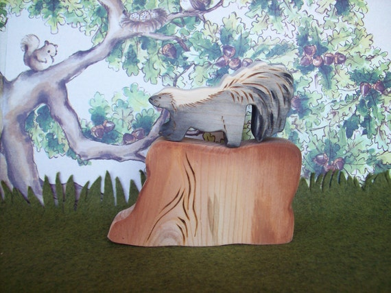 Little Skunky with his big tree trunk - Waldorf Inspired Natural Wooden Nature Toys