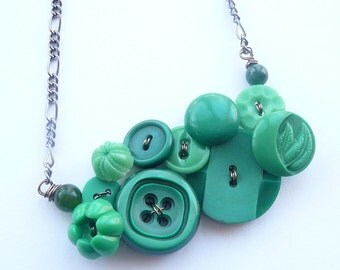 Button Jewelry Bright Green Flower Necklace