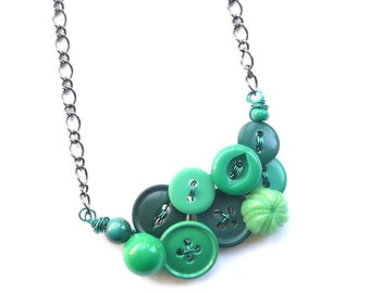Button Necklace - Vintage Button Jewelry - Small Necklace in Kelly Green Buttons