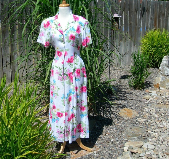 Rayon Dress Sz Lg White with Pink and Blue Flowers Vintage 1980s Button Front Size Spring Summer Fashion Retro Style