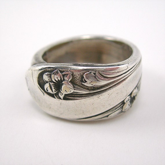 Spoon Ring Silverplate Floral Design Size 9 International Silver Mark Vintage 1960-70s Costume Jewelry SALE was 18.00