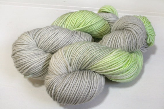 hand dyed yarn - SW Bounce Worsted - Gin Rickey colorway