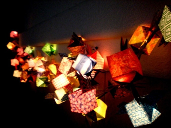 Origami patterned wing cube lantern string light