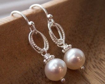 Mother of the bride gift, Mother of the groom, everyday pearl earrings, Mother in law gift, thank you gift, wedding gift, freshwater pearls