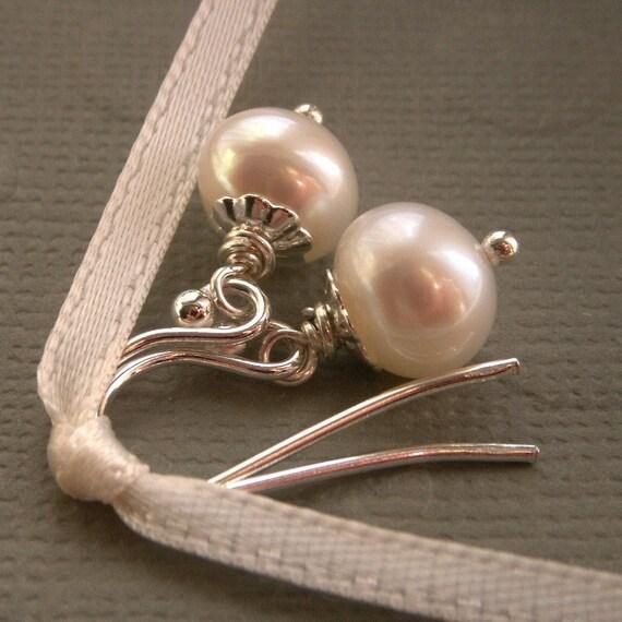 Classic pearl earrings, freshwater pearl earrings, silver earrings or gold earrings, small dangle earrings, dainty pearl drop earrings