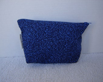 Zipper Pouch with Tissue Cozy-Royal Blue Calico (Zip 86-G)