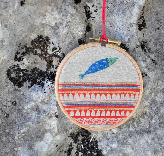 round dream - Drop Fish 4 - original mixed media hanging wall (4'' diameter)